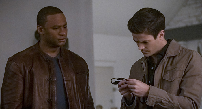 "The Flash -- ""Marathon"" -- Image Number: FLA610b_0168b.jpg -- Pictured (L-R): David Ramsey as John Diggle/Spartan and Grant Gustin as Barry Allen -- Photo: Katie Yu/The CW -- © 2020 The CW Network, LLC. All Rights Reserved."