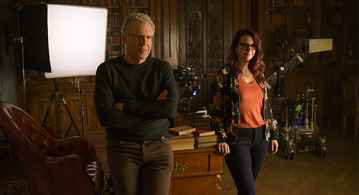 Locke & Key SEASON 1 EPISODE 5 PHOTO CREDIT Christos Kalohoridis PICTURED Carlton Cuse, Meredith Averill