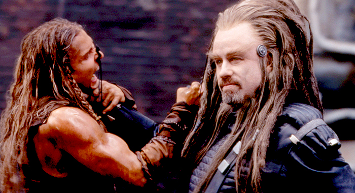 Barry Pepper and John Travolta in Battlefield Earth