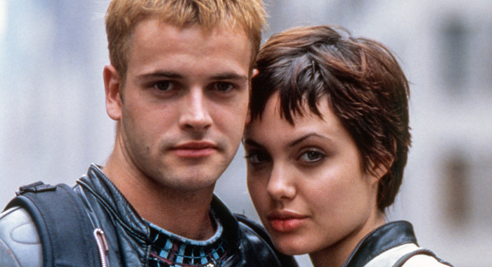 Johnny Lee Miller and Angelina Jolie in Hackers
