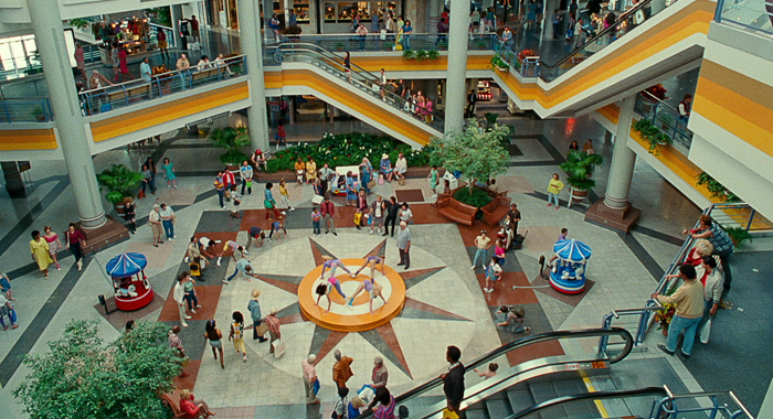 Mall in Wonder Woman 1984