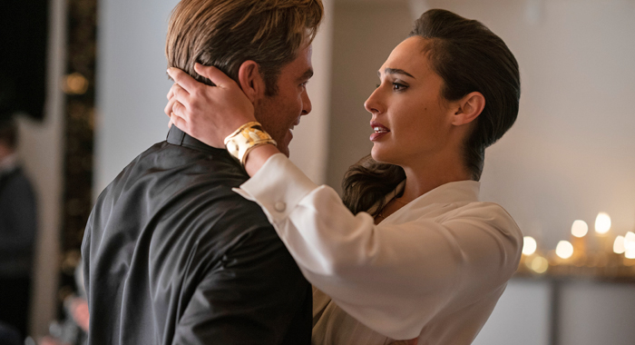 Chris Pine and Gal Gadot in Wonder Woman 1984
