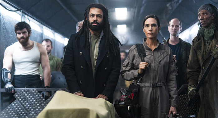 Daveed Diggs and Jennifer Connelly in Snowpiercer episode 203