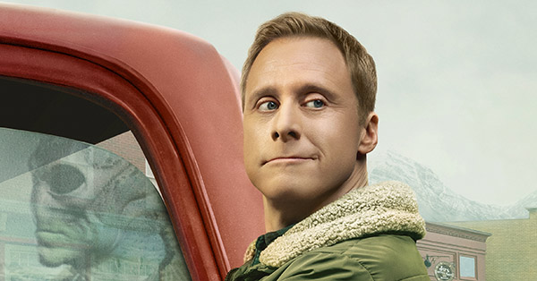 <em>Resident Alien</em> Star Alan Tudyk on Why This Extraterrestrial Is So Dang Mean