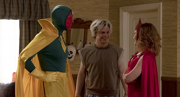 Paul Bettany, Evan Peters and Elizabeth Olsen in WANDAVISION