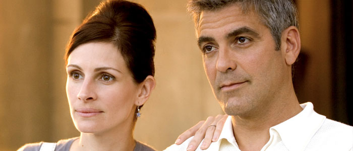 Julia Roberts and George Clooney in Ocean's Twelve