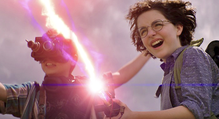 Logan Kim and McKenna Grace in Ghostbusters: Afterlife