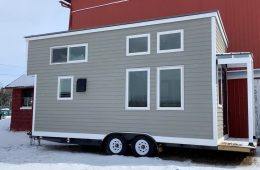 Beautiful Fully-Furnished Tiny house For Sale