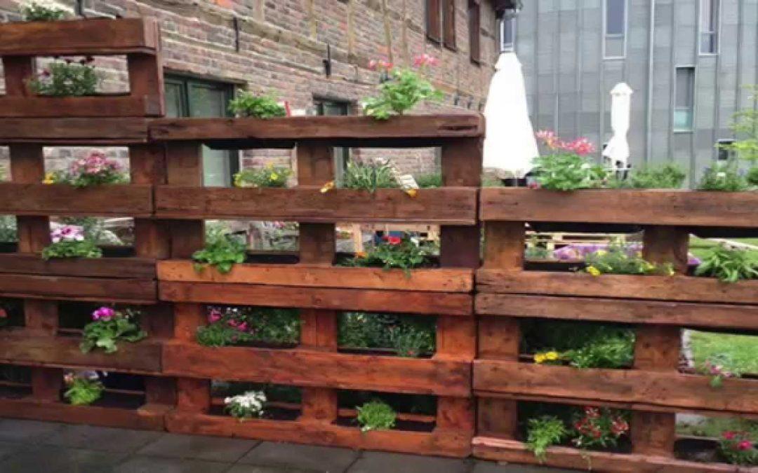 12 great pallet vertical gardens