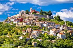 egy tipikus belső isztriai település, Motovun