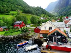 falucska a Sogne-fjord partján