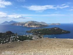 a Lipari-szigetek látképe Volcanóról