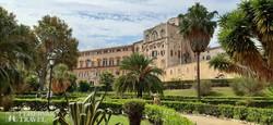 a mediterrán környezetben fekvő palermói Normann Palota