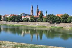 Szeged városközpontja a Tisza felől