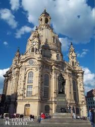 az újjáépített Frauenkirche Drezdában