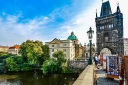 a Károly-híd óváros felőli végén található hídtorony Prágában