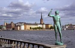 pillantás a Lovagok szigetére Stockholmban