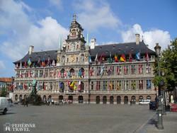 Antwerpen díszes városházája