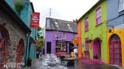 színes utcarészlet Kinsale-ből