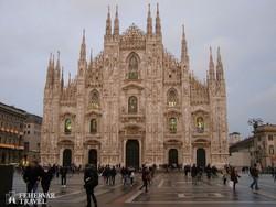 a milánói dóm impozáns homlokzata