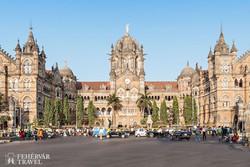 a Viktória pályaudvar épülete Mumbaiban