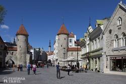 Tallinn óvárosa a Viru kapuval