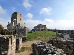 a cseszneki vár udvara