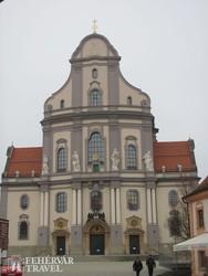 Altötting: a Szent Anna-bazilika homlokzata