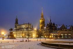 Drezda: A Hofkirche és a Residenzschloss esti fényekben
