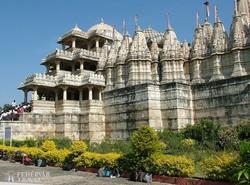 India talán legszebb dzsain temploma Ranakpurban