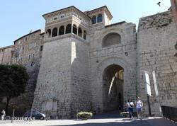 Perugia etruszk kori városkapuja, az Arco Etrusco