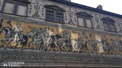 Drezda: a Fürstenzug (102 méter hosszú fríz) egy részlete