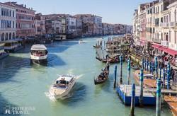 a Canal Grande, Velence fő közlekedési útvonala