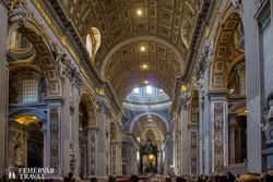 Róma - a Szent Péter-székesegyház belső tere