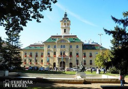a szegedi városháza a Széchenyi téren