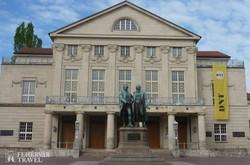 Goethe és Schiller emlékműve Weimarban