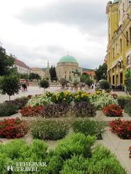 Pécs – a Széchenyi tér a dzsámival