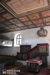 a szennai református templom festett fakazettás mennyezete