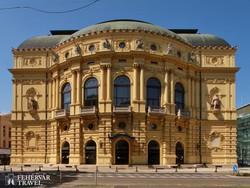 a Szegedi Nemzeti Színház épülete