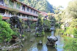 díszkert a Sam Poh Tong barlangtemplomnál
