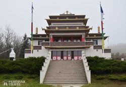 buddhista templom Tar mellett