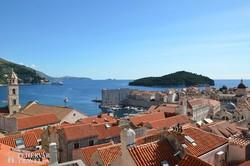 Dubrovnik: kilátás a várfalról a tenger felé