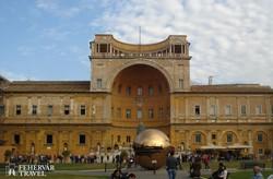 a Vatikáni Múzeumok épülete Rómában