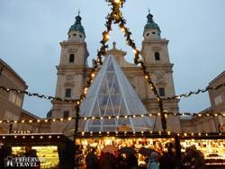 adventi fényekben a salzburgi Domplatz