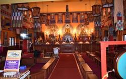 a tari buddhista templom belsője