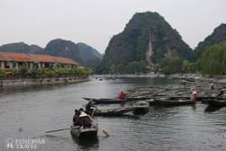 Tam Coc csónaktúra a Száraz Halong-öbölben
