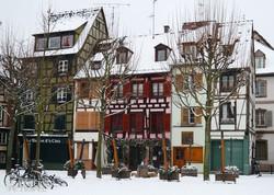 bájos favázas házak a Petite France negyedben, Strasbourgban