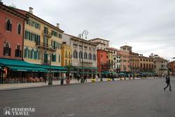 Verona egyik gyönyörű tere, a Piazza Bra – részlet