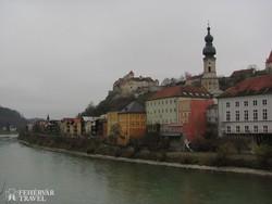 Burghausen vára a város fölött