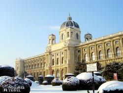 a Mária Terézia tér a Természetrajzi Múzeummal